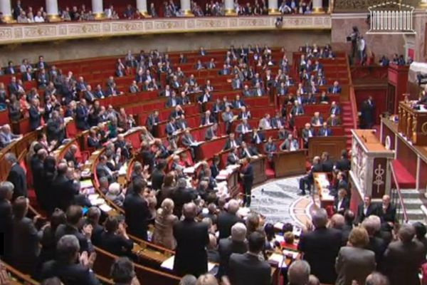 ovation assemblée taubira
