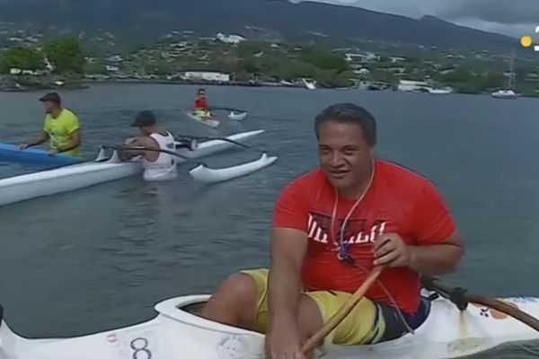 Very imposant paddlers