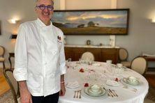 Philippe Pupier, chef cuisinier du préfet de Saint-Pierre et Miquelon, a reçu les visiteurs pour leurs raconter comment l'histoire de France et de l'archipel se joue au moment des soupers.