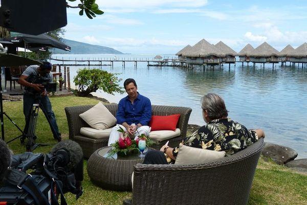 Laurent Gerra au Méridien à Tahiti, interviewé par Lolo pour Polynésie 1ère