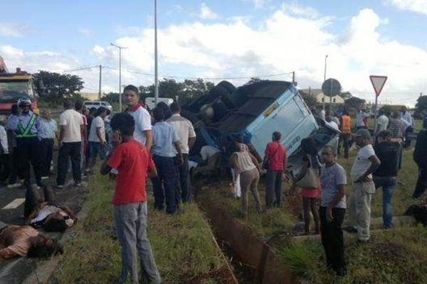 Accident de bus à Maurice : 10 morts