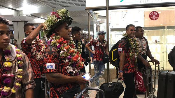 accueil rameurs aéroport tahiti