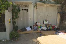 Les familles cubaines demandant l'asile survivent grâce à la solidarité citoyenne.