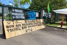 Les employés en grève au centre de tri de Rémire-Montjoly
