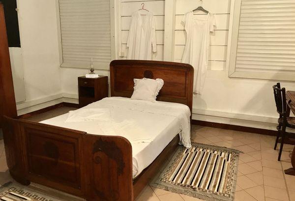 La chambre à coucher d'un intérieur créole