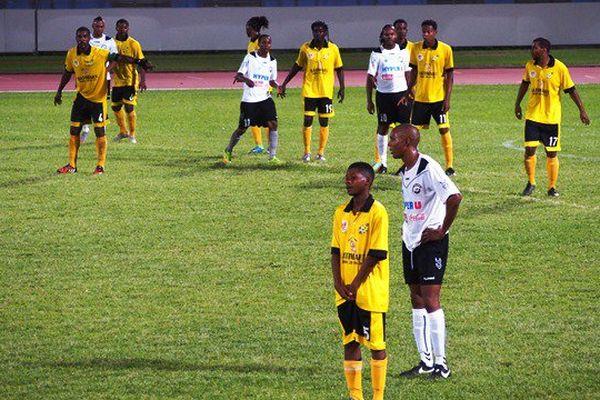 Club Colonial USM Football coup franc