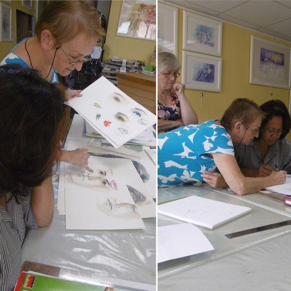 La Calédonienne prend des cours de dessin depuis son installation en métropole