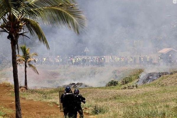 Affrontements au Port.