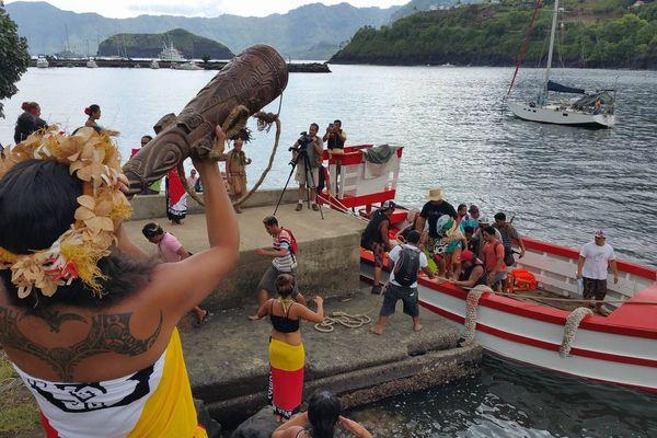 Accueil traditionnel à la descente de la baleinière
