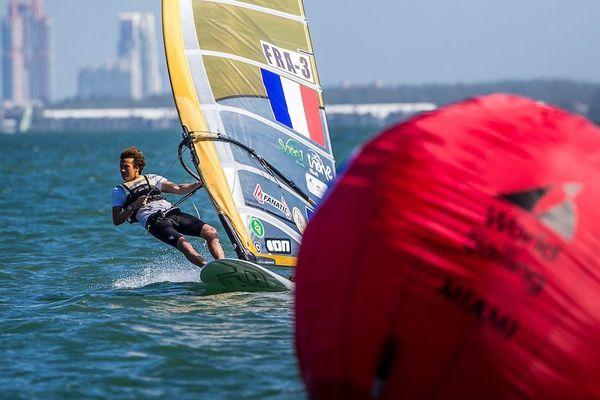 Thomas Goyard 5e de la 1ere épreuve de coupe du monde de la saison à Miami en planche RS-X (22 au 30 janv)