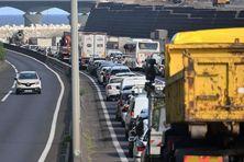 Embouteillage sur les routes de La Réunion.