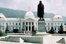 Vue du Palais national haïtien (présidence de la République) en 1990.