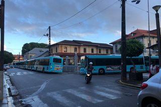 Les bus de l'agglo devant la mairie de Cayenne