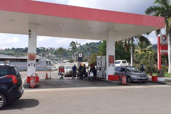 Station essence à Kaweni