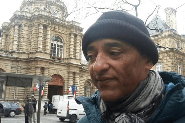 Grève de la faim devant le Sénat : Serge Romana soutenu sur les réseaux sociaux