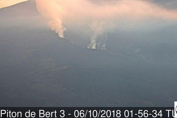 Piton de la fournaise volcan dégazage 071018