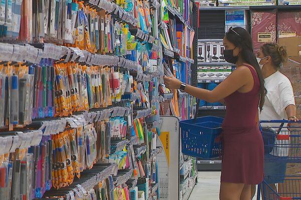 Fournitures scolaires : alléger la facture en choisissant les marques de distribution