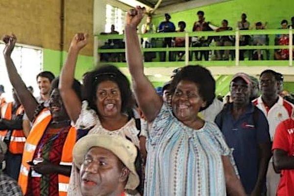 Référendum de bougainville,  l'annonce du résultat, le 11 décembre.