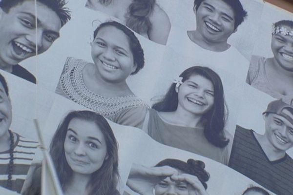 galerie de sourire contre la violence