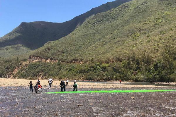Colorant vert fluo versé dans la Tontouta, 30 novembre 2020