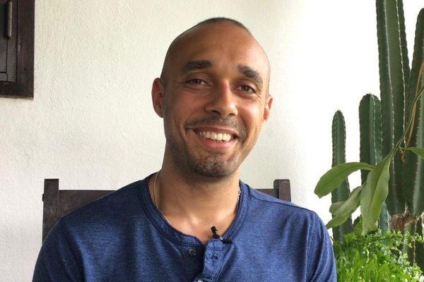 Jean-Yves Jacaria contrôleur aérien à Roissy et développeur