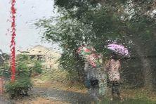 Vigilance fortes pluies et orages en vigueur à La Réunion.