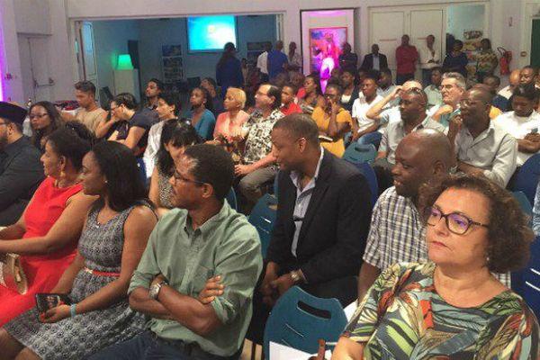 Les haïtiens de Guyane célèbrent leur drapeau