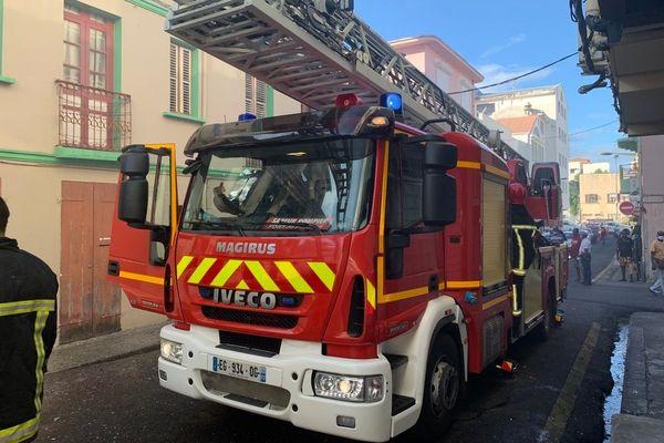 Camion de pompier dans la rue