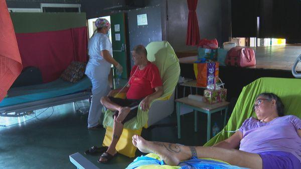 Patients Théron, Manu Iti ferme