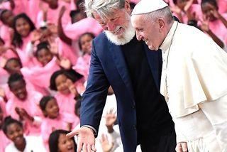 Le père Pedro a accueilli le pape François dans son village d'Akamasoa à Madagascar.