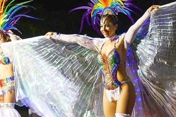 Carnaval 2017 de Nouméa échasses