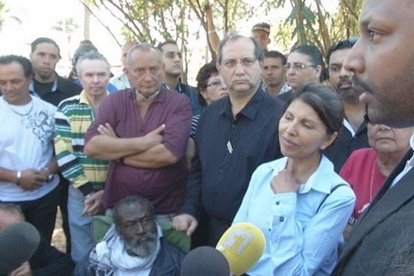 Samuel Mouen recoit le soutien de Nassimah Dindar et de Thierry Robert