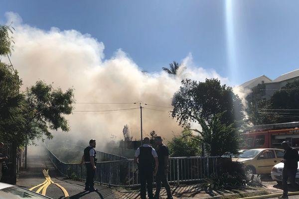 Incendie quartier de La Source à Saint-Denis 20190806-02