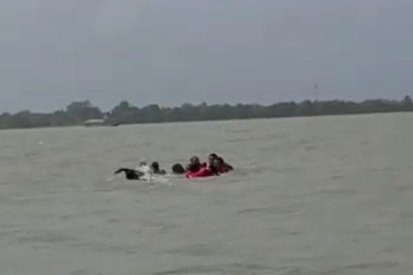 Les naufragés du Maroni, en fait des militaires surinamais en exercice