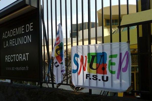 Les professeurs des lycées professionnels manifestent devant le rectorat