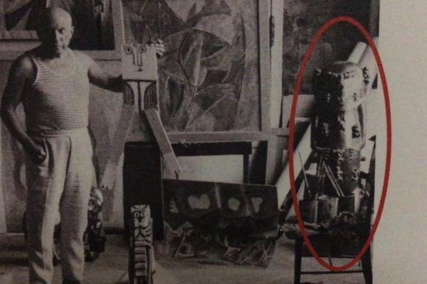 Picasso et le moule de la statue du Dieu A'a