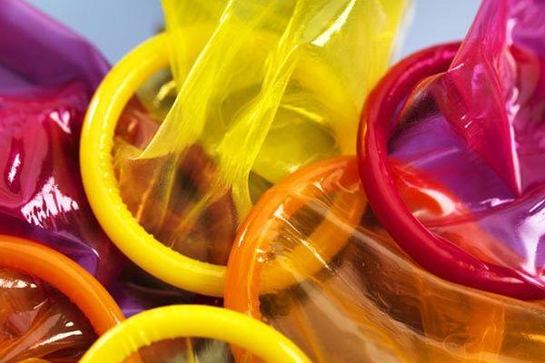 Préservatifs colorés