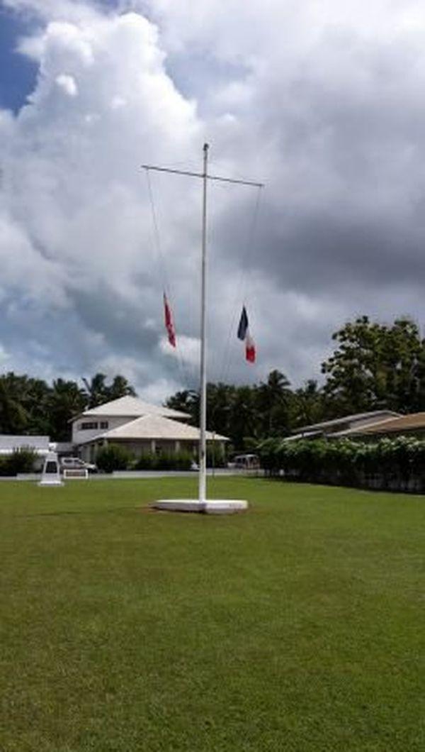 drapeaux en berne