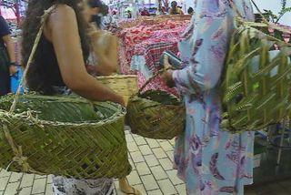 Nana sac plastique au marché