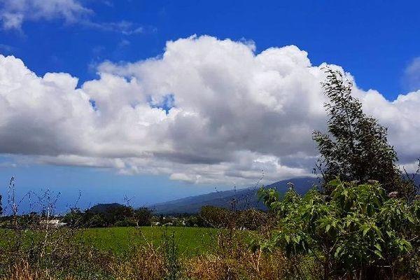 Ciel bleu sur les hauts de La Réunion 2 déc 2019