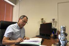 """Serge Hoareau, le président de l'Association des Maires de La Réunion, a rappelé les propositions des élus : """"une base de discussions sur laquelle M. le Préfet sera amené à prendre sa décision""""."""