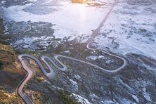 Le givre recouvre la route du volcan et la plaine des sables.