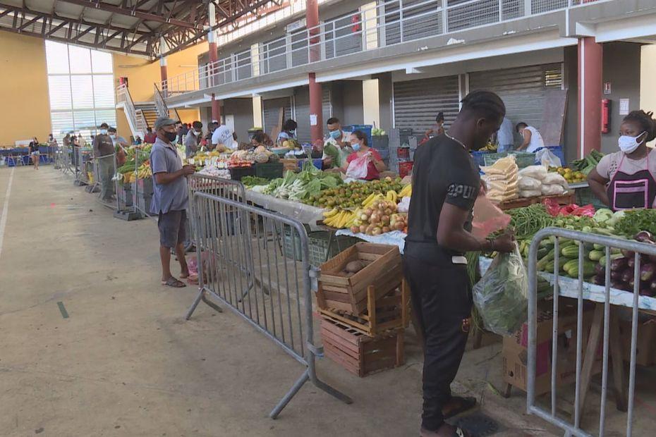 Le confinement strict le dimanche divise les habitants de Kourou - Guyane la 1ère