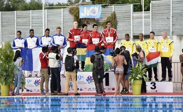 JIOI 2015 natation Victoire relais Maurice