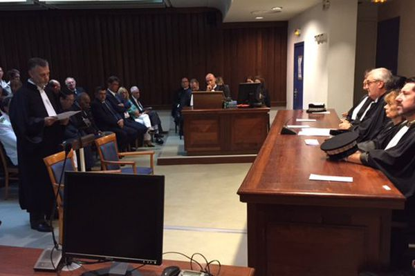 Tribunal de première instance. Audience solennelle. Justice 2