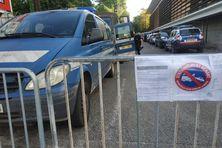 Les force de gendarmerie présentes pour l'exécution de la décision de justice