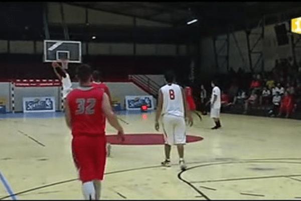Basket : Tahiti contre l'équipe américaine 67-88