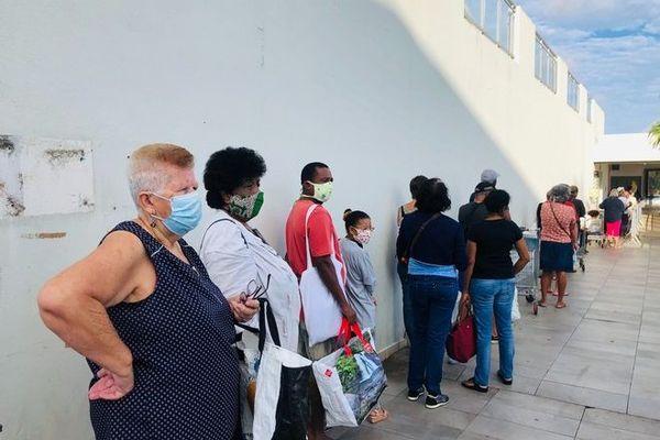 coronavirus déconfinement masques supermarché La Montagne Leader Price 090520