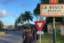 Le face à face, entre les manifestants et les gendarmes, a été très tendus, jeudi, à la Boucan