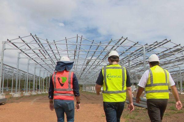 Farino : ferme agrisolaire en phase de montage